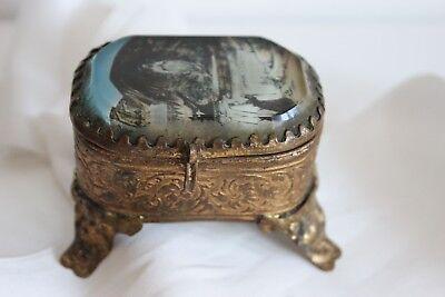 Kleine Dose aus Schmuck Set unter Gläser Schwere Apparition Sammlung Religion