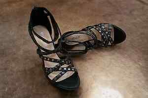 High heels platform genuine leather stripes Ormond Glen Eira Area Preview