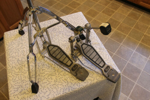 PEARL Hi hat stand and bass drum pedal. Excellent!