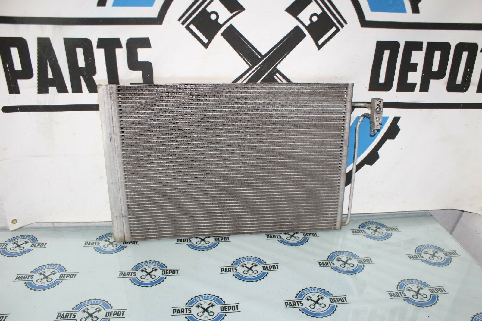 2001-2003 BMW X5 4.4L E53 OEM A/C CONDENSER ASSEMBLY COOLING AIR CONDITIONING
