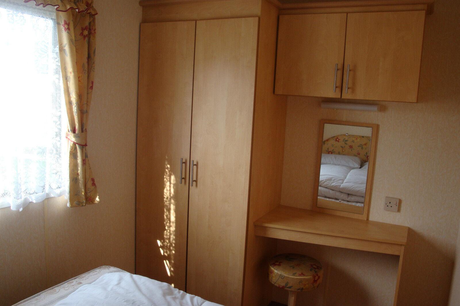caravan to hire let rent near skegness ingoldmells butlins 4 star park picclick uk. Black Bedroom Furniture Sets. Home Design Ideas