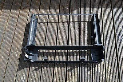 BMW E65 E66 FRONT ENGINE RADIATOR COOLER PLASTIC TRIM SHROUD BRACKET HOUSING