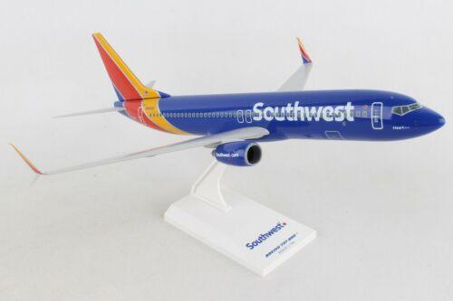 "SKYMARKS (SKR813) SOUTHWEST ""HEART ONE"" 737-800 1:130 SCALE SNAPFIT MODEL"