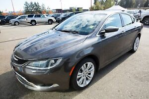 2015 Chrysler 200 Limited- LOW KM!