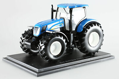 New Holland T7070 1/43