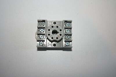 Potter & Brumfield 27E891S Socket 10A 300V 8-Pin Din Rail or Base Mount NEW!!!