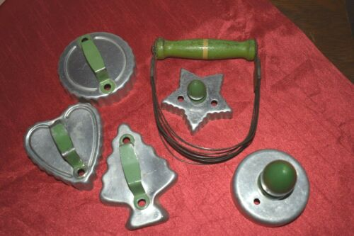 5 VINTAGE GREEN HANDLED COOKIE CUTTERS & PASTRY CUTTER