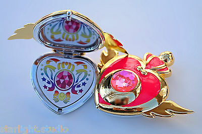 Sailor Moon Super S Crises Heart Compact Mirror Brooch Locket Cosplay Doll Prop