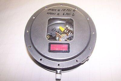New Mercoid 120 - 240 Vac Pressure Switch Daw-533-3-3a
