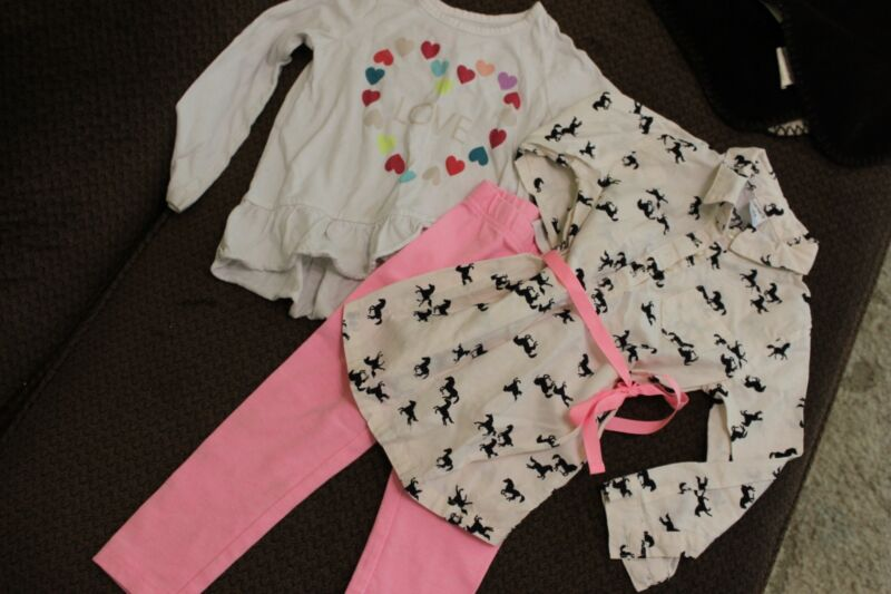 Adorable - 3 Piece Baby Girls Pants And 2 Tops!!  Size 2t