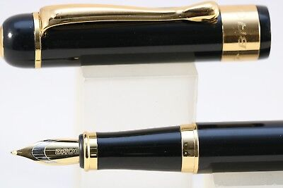 Baoer No. 500 Black Fude Calligraphy Fountain Pen with Gold Trim
