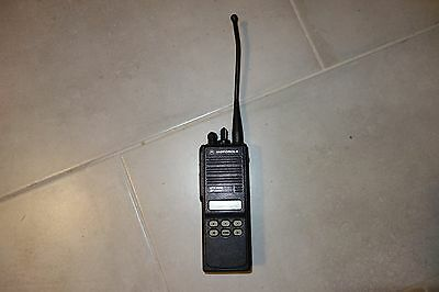 Motorola Mts2000 Model Ii Portable 2 Way Radio Smartnet Model H01ucf6pw1bn