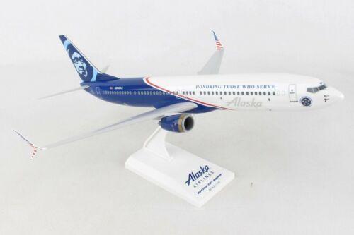 """SKYMARKS (SKR917) ALASKA """"HONORING VETERANS"""" 737-900 1:130 SCALE SNAPFIT MODEL"""