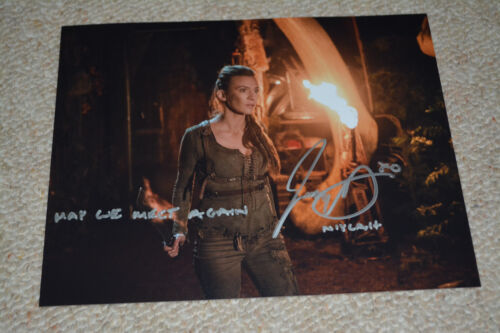 JESSICA HARMON signed  Autogramm 20x25  In Person THE 100 + QUOTE !!