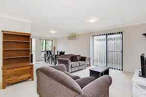 Room Available, 2.5Km to Griffith, Friendly & Easy Going :) Molendinar Gold Coast City Preview
