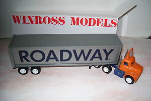 Roadway-Winross-Diecast-Delivery-Trailer-Truck