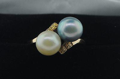 - Vintage (ca. 1945) Mikimoto 14K Yellow Gold Black White Pearl Ring  (Sz 5.25)