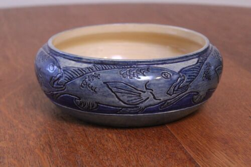 """8.5"""" Newcomb bowl with life like fish"""