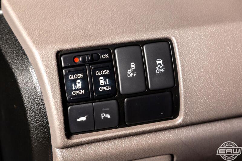 Image 24 Voiture Asiatique d'occasion Honda Odyssey 2013