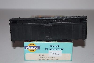 HO Scale Athearn 1599 Undecorated 40' Single Door Reefer Kit D2366