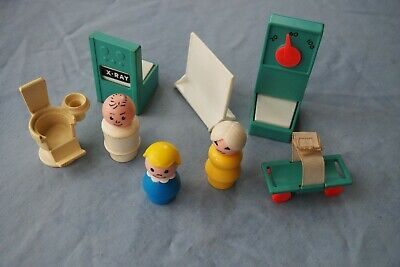 VINTAGE Fisher Price Little People Hospital Lot- Scale,X Ray,Screen,Gurney, plus
