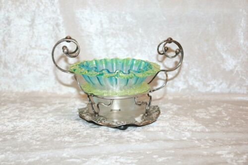 TS  Victorian Threaded Vaseline Candy Dish in Silver Plate Stand!
