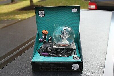 2020 Disney Nightmare Before Christmas Musical Light Up Snow Globe Train 136151