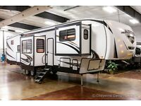 New 2022 Sabre 37FLH Front Living Room 5th Fifth Wheel w/ Rear Bath & Auto Level