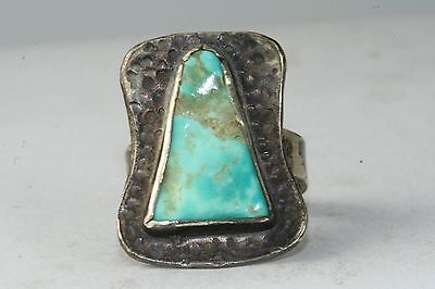 VINTAGE MODERNIST HAMMERED STERLING SILVER TURQUOISE RING SIZE 5.75 TO 6