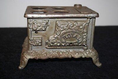 """Kenton ROYAL cast iron STOVE Toy 4.75""""H x 7.5""""L x 5.5"""" Antique SALESMAN'S SAMPLE for sale  Plover"""