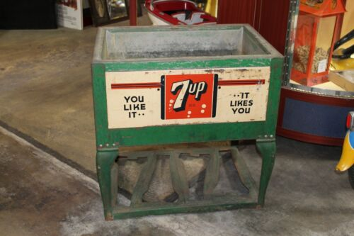 1930s S&S 7up Soda Unrestored Ice Chest Cooler