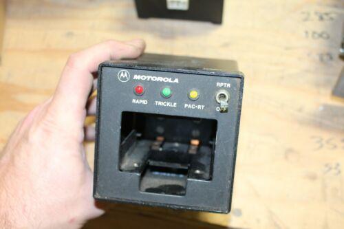 Motorola TDN9816A Vehicular Radio Battery Charger