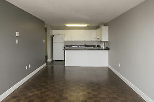 Shared Student Apts in Downtown London - ALL INCLUSIVE + WIFI London Ontario image 2