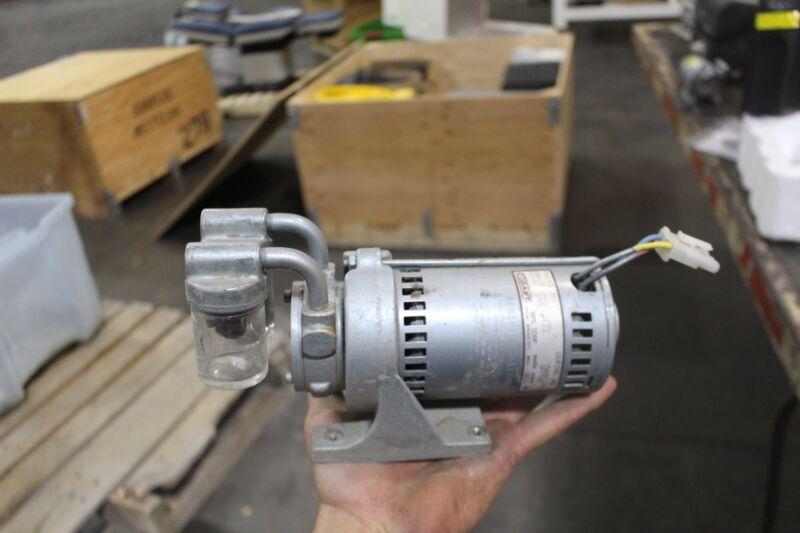 Gast Vacuum Pump 0531-02b-347x With Working