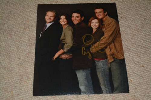 ALYSON HANNIGAN. signed Autogramm 20x25 cm In Person HOW I MET YOUR MOTHER