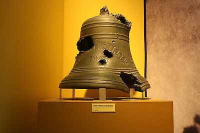 HMS ILLUSTRIOUS 1940 SHIPS BELL PICTURE