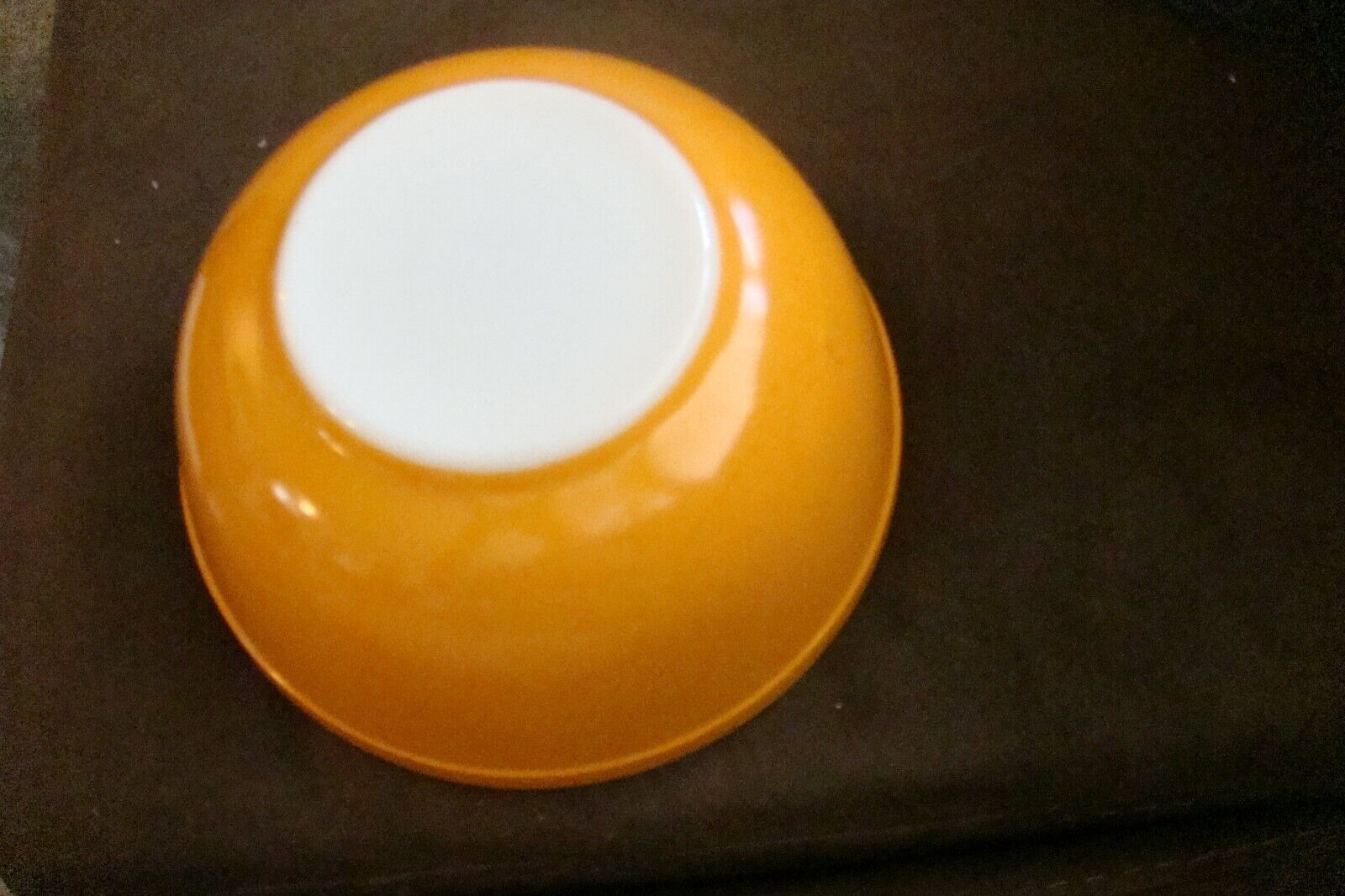ORANGE MIXING BOWL PYREX NO. 403 2 1/2 QT. OVENWARE MADE IN USA - $25.00