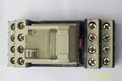 Telemecanique Inst-relay With Base 5 Amp 24 Volt Rhn 412b