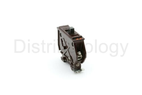 Wadsworth 15 Amp Plug in 1 Pole Circuit Breaker [Metal Tab Old Style]