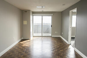 Shared Student Apts in Downtown London - ALL INCLUSIVE + WIFI London Ontario image 3