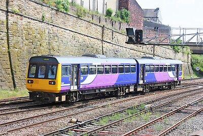 142050 Arriva Rail Northern 6x4 Quality British Rail Photo