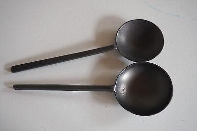 Zwei Zinnlöffel / Schnapslöffel, z.T. gestempelt