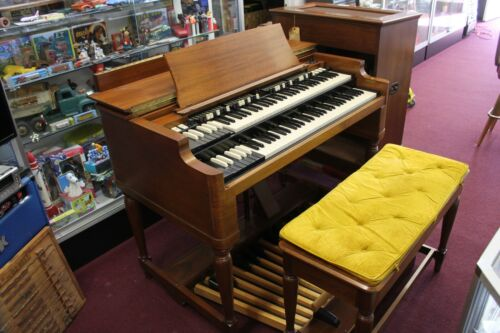 Super Clean Hammond B-3 Organ~Living Room Condition~1-Owner&Tone Cabinet.