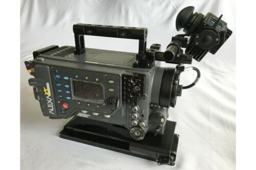 Arri Alexa XT Plus w/ Open Gate ARRIRAW + 4:3 Anamorphic + Case - 5902 Hours