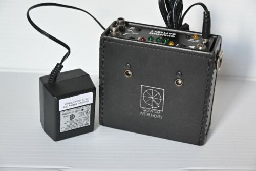 Quantum Battery One (QB1) Flash Power Pack with NEW CELLS & QB-26 charger
