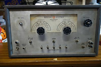 Vintage Ge General Electric Tube Sweep Generator - Model St-4a - Powers Up