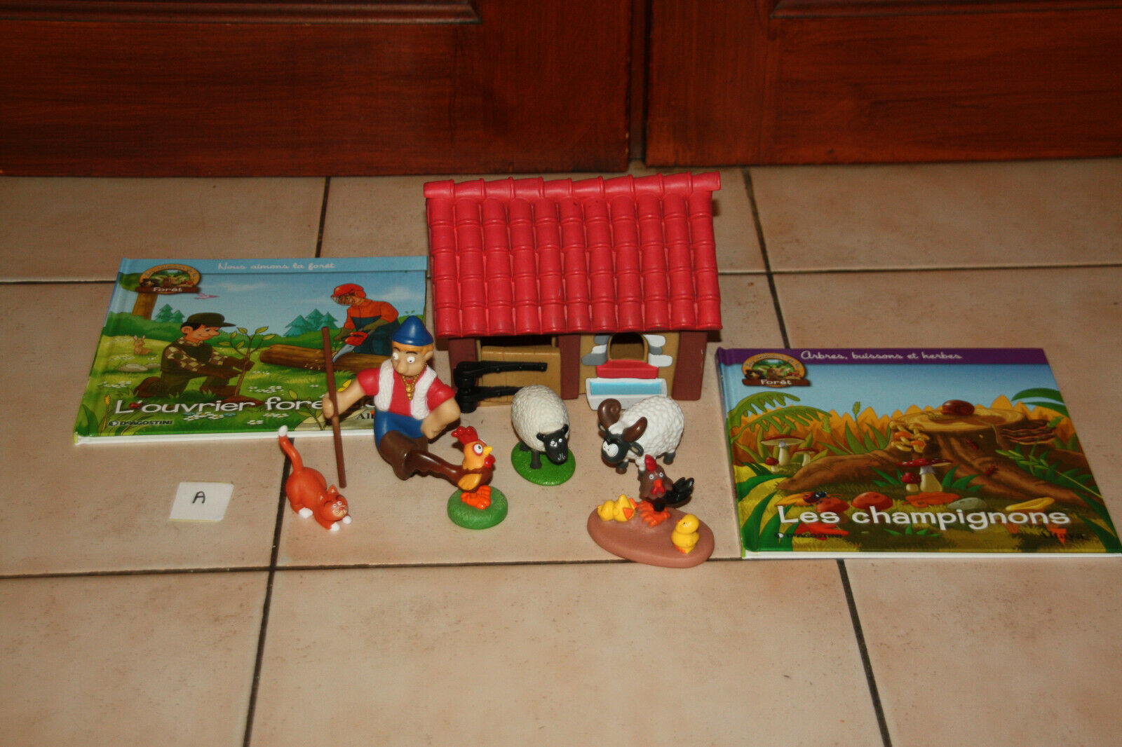 Lot a livre animaux + figurine animaux collection altaya