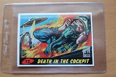1994 MARS ATTACKS! ARCHIVES - 1st Day - #12 Death in the Cockpit - w/ Card Saver