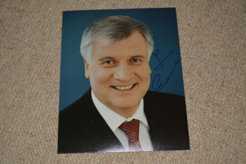HORST SEEHOFER signed Autogramm 20x25 cm In Person