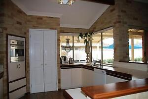 Second Hand Kitchen - Cream with Timber Accents & Accessories Winthrop Melville Area Preview